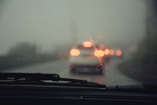 How to check which size of windshield wipers you need?